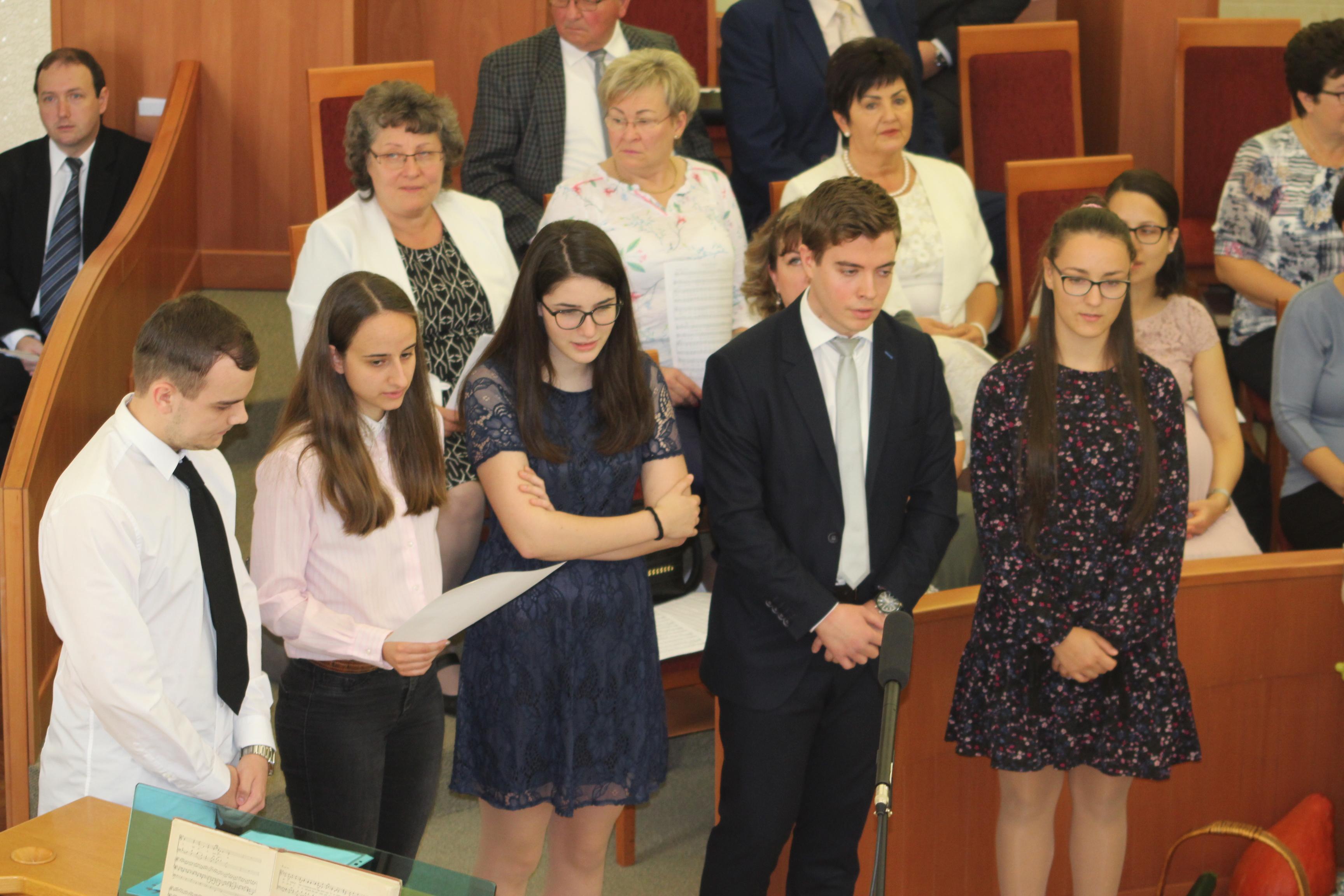 Fiatalok szolgálata